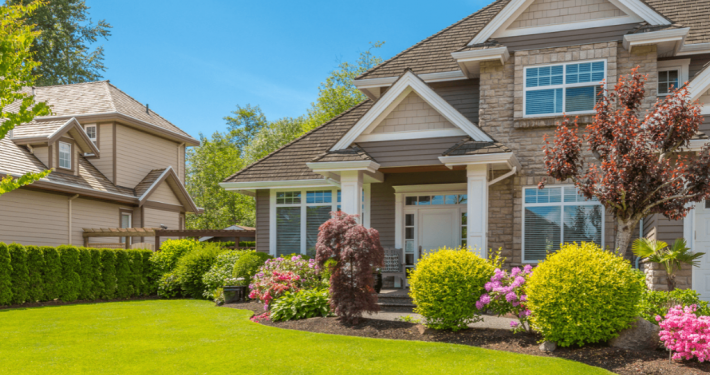 Home with nice curb appeal